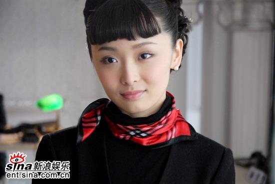 """""""谋女郎""""李曼《梦幻天堂》变身千金小姐(图)"""