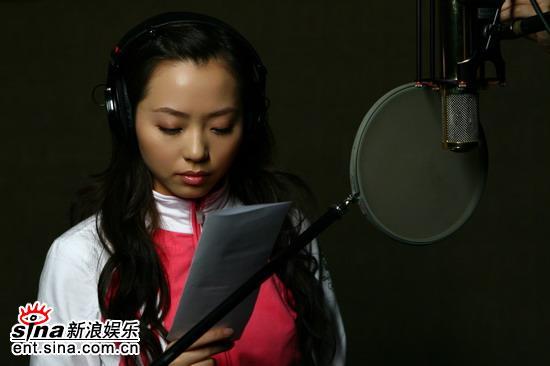 张靓颖唱《新不了情》为妈妈送母亲节礼物(图)