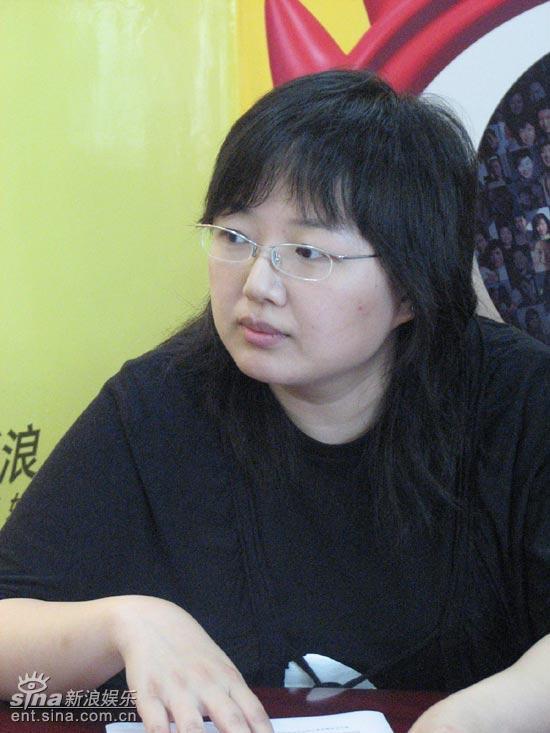 田明陈汉泽做客聊上海电视节白玉兰论坛(组图)