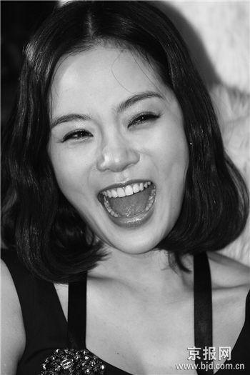 邓建国签韩星蔡琳接替张娜拉演《刁蛮公主2》