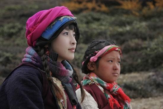 组图:《五星饭店》转战云南雪山上演浪漫爱情