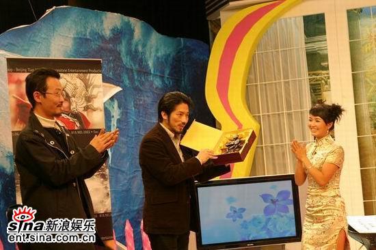 《娜可不一样》新年登陆日本朝日电视台(组图)