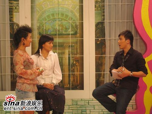 刘涛做客《娜可不一样》展示十八般武艺(组图)