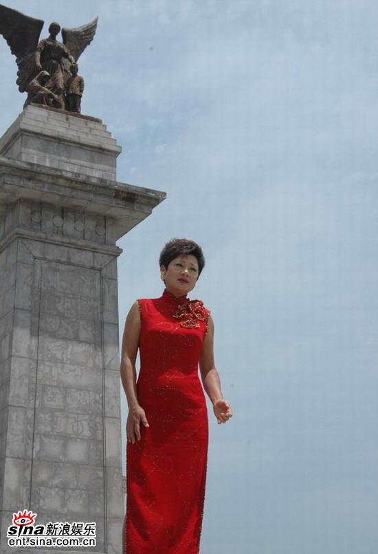 叶丽仪重唱《新上海滩》孙俪助阵MV拍摄(组图)