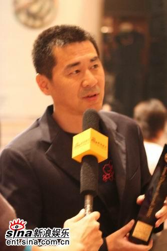 组图:《乔家大院》获大奖新浪娱乐对话陈建斌