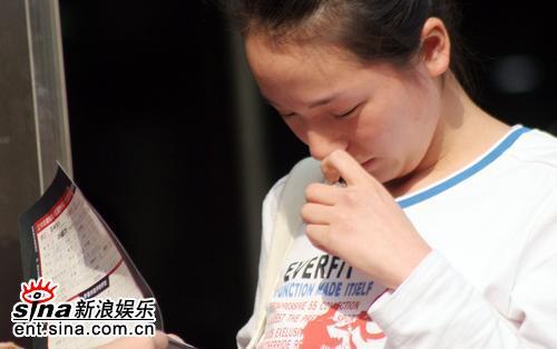 组图:红楼选秀郑州赛区启动 白发老太热情报名
