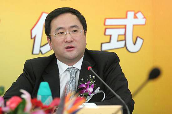 图文:上海文广传媒副总裁高韵在仪式上讲话
