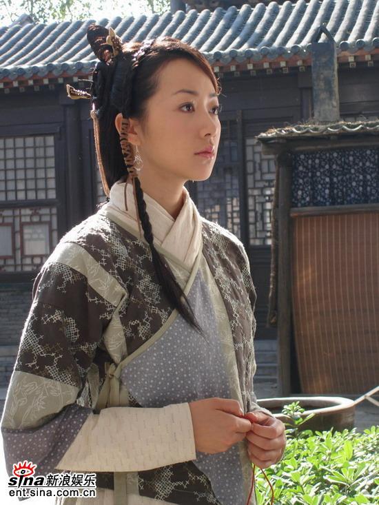 """韩雪拍新剧《聊斋》遭遇""""疯狂的石头""""(组图)"""
