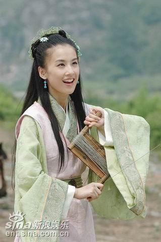 黄圣依杨子老板明星两不误出演侠义情侣(组图)