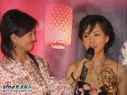 组图:何琳艾美奖载誉归来呼吁支持电视电影