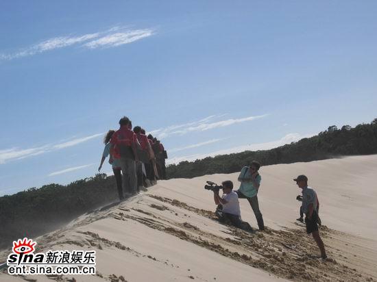 图文:青春之星农庄之旅--摄像同志在抓拍镜头