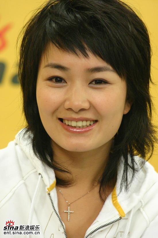 图文:《娜可》携手新浪盘点05娱乐圈--刘娜招牌笑容