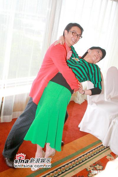 图文:TVB《男人之苦》宣传--刘松仁和邓萃雯