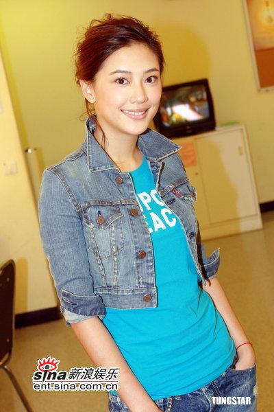 图文:TVB《美女厨房》--应采儿神采奕奕