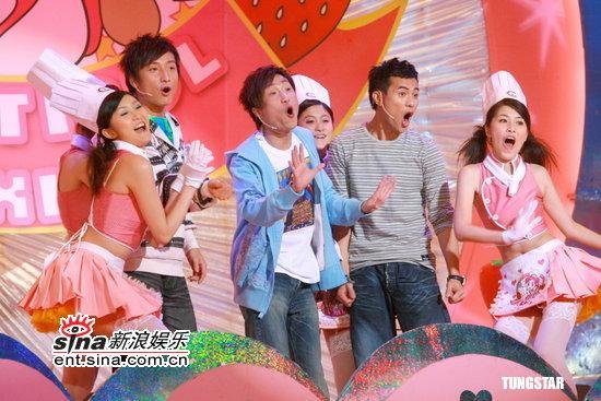 图文:TVB《美女厨房》--郑中基方力申梁汉文