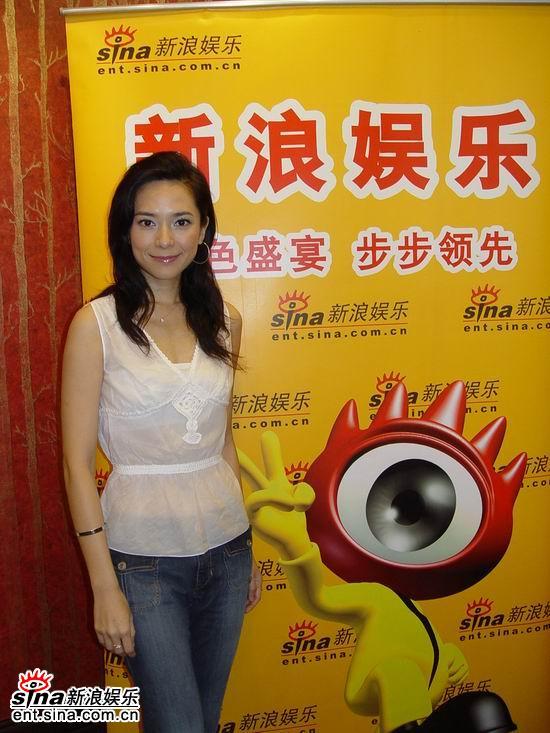图文:独家对话《争霸传奇》主演--郭羡妮笑容灿烂