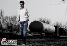 组图:于小伟复古写真演绎中国版詹姆斯・迪安
