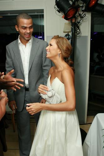 图文:艾美奖派对--伊娃与NBA球星男友携手亮相