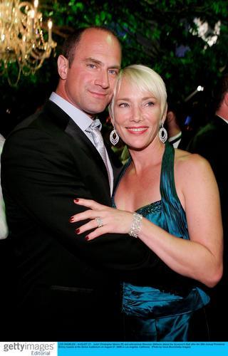 图文:艾美奖派对--克里斯多弗-莫罗里和妻子