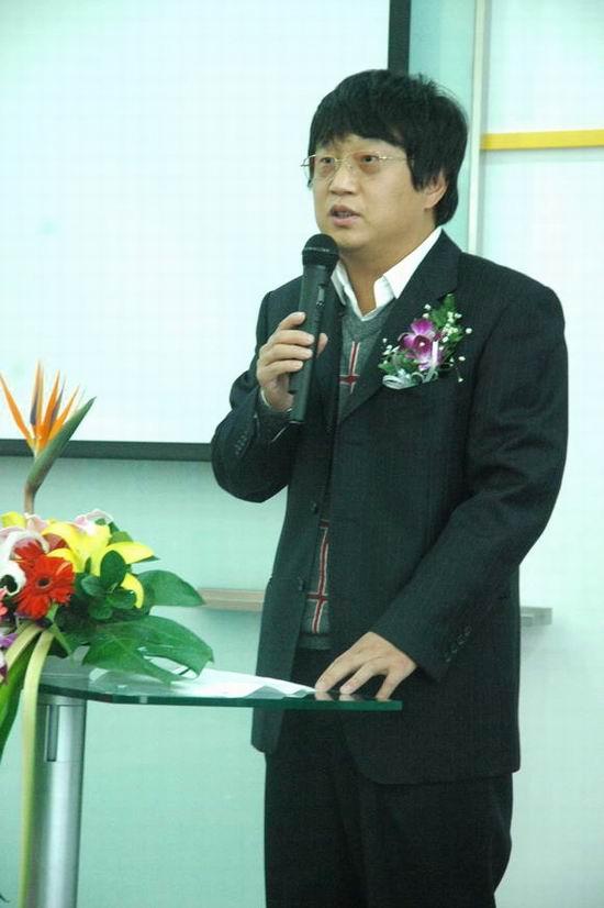 图文:新浪全球资深副总裁/新浪网总编辑陈彤致辞
