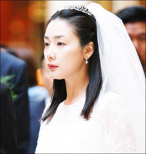 资料:韩剧《天国的阶梯》人物--韩静书(组图)