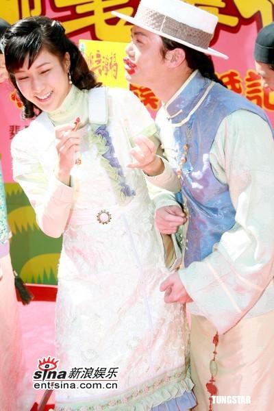 图文:TVB《迎妻接福》开拍--谢天华调戏钟嘉欣