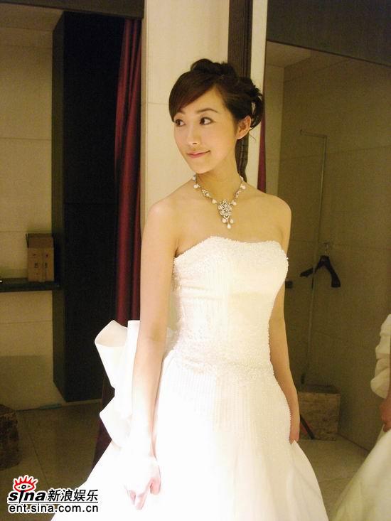 图文:《爱情占线》韩雪披婚纱--娇俏可爱