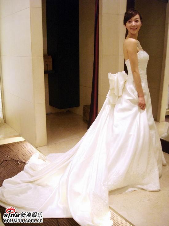 图文:《爱情占线》韩雪披婚纱--回眸一笑