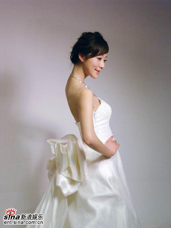 图文:《爱情占线》韩雪披婚纱--娇羞可人