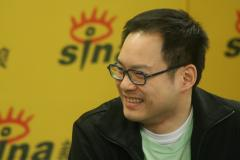 组图:上腾娱乐老总陈耀川做客新浪聊型秀