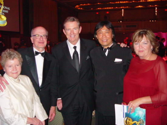国际艾美总裁布鲁斯与导演张雪松等人会晤(图)
