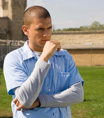 《越狱2》演员向美国著名硬汉英雄致敬(图)
