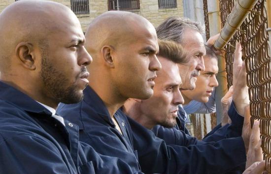 组图:FOX《越狱》今年节目播毕明年五月再续
