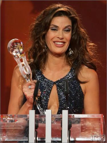 """组图:""""疯狂主妇""""德国获颁年度世界女星奖"""