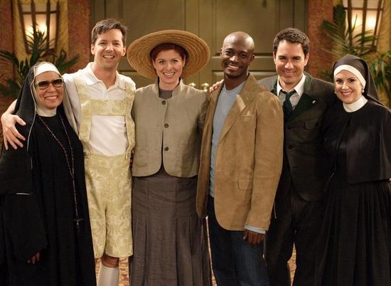 """图文:NBC《威尔和葛蕾丝》主角大玩""""变装秀"""""""