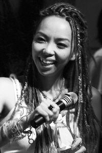 张惠妹遭音乐人公开劝退唱片公司称其仍是块宝