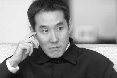 """海岩筹拍《五星饭店》称""""没说要与陈坤合作"""""""