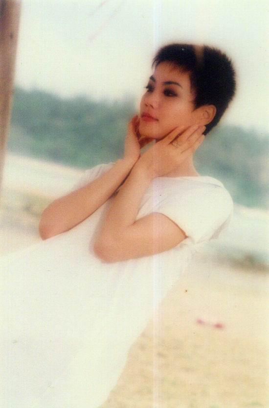 资料图片:王菲早期精彩写真(9)