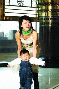 传李湘遭丈夫暴打提出离婚当事双方均否认(图)