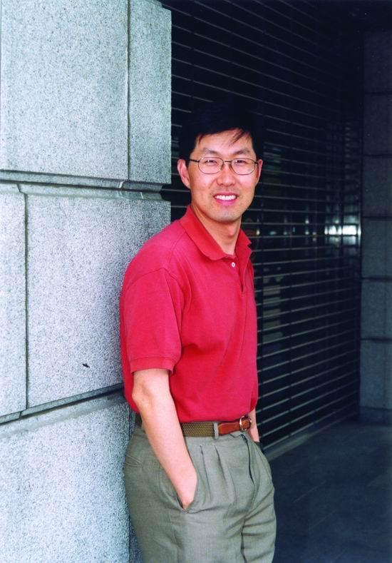 第十一届上海电视节电视剧组评委--李康县(图)