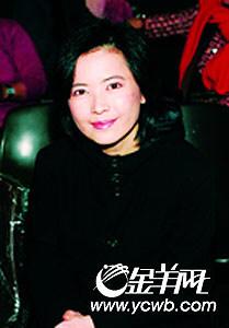 邵美琪事业不济爱情不顺年届40大秀身材(组图)