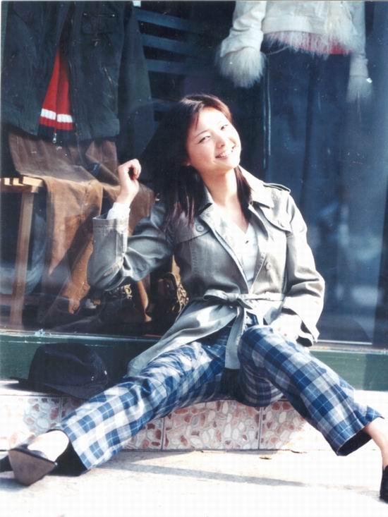 资料图片:2005年度星姐选举参赛选手-曹异