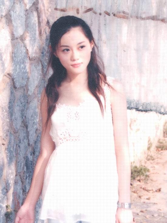 资料图片:2005年度星姐选举参赛选手-曹维