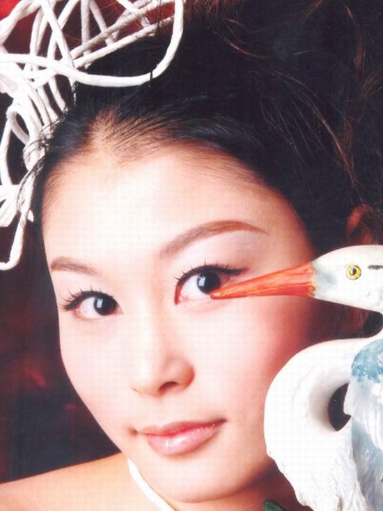 资料图片:2005年度星姐选举参赛选手-吴思