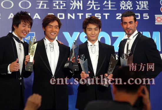 2005亚洲先生胜出八块腹肌折服全场女性(图)
