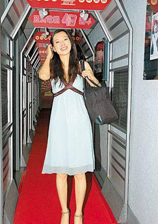 亚洲小姐选举首轮面试周润发胞姊带女争锋(图)