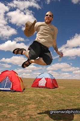 图文:草原狂欢节-外国歌迷已经HIGH上了