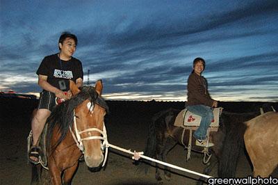 图文:草原狂欢节-享受骑马大乐趣