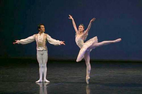 图文:中央芭蕾舞团校庆-《睡美人》双人舞Tara敏性感图孝图片