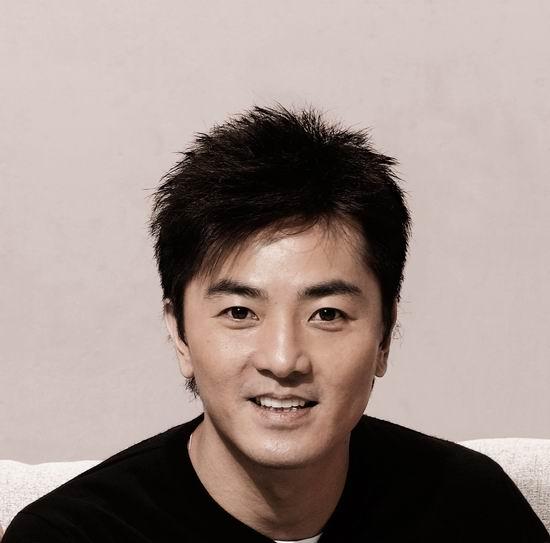 资料图片:狂乐一夏演唱会出演明星-郑伊健